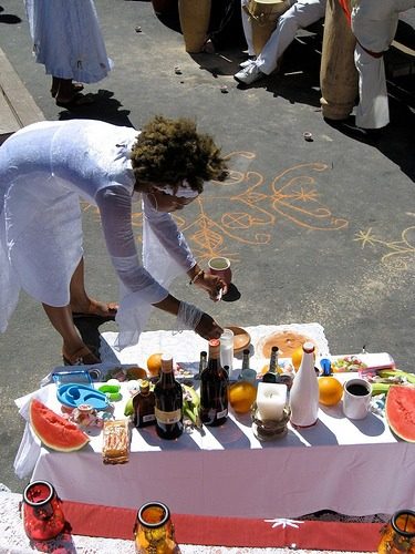 Drawing Down Spirits: Sacred Ground Markings of Vodou in San