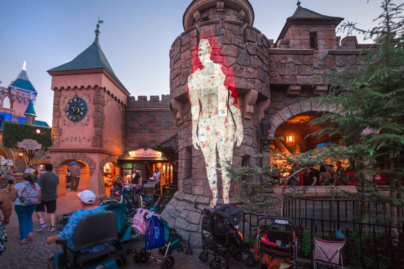 Among the Strollers, Snow White's Scary Adventures, Fantasyland